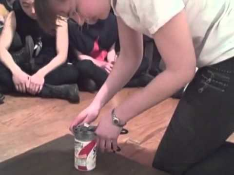 Spaghetti O's: How to open a can the epic way!