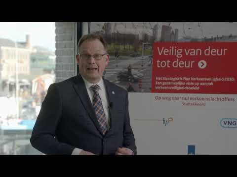 Ondertekening Strategisch Verkeersplan door Harald Bouman