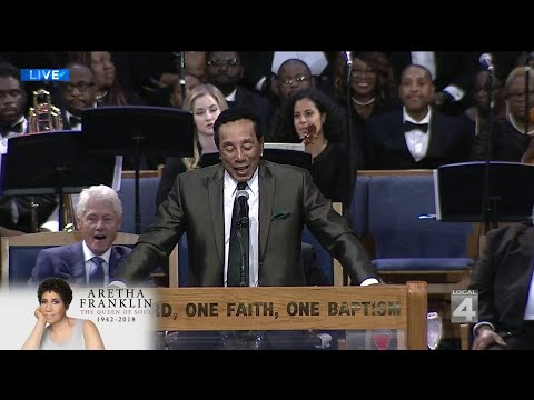 Aretha Franklin Funeral: Smokey Robinson Remembers His 'Longest Friend' in Emotional Speech