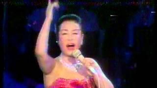 美空ひばり 芸能生活35周年を記念して、武道館で開催されたライブです...