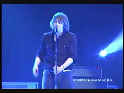 KEANE  -  Nothing In My Way  (live 2005)