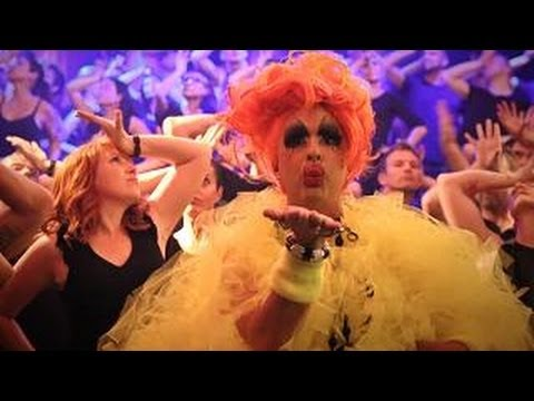 Let's Have a Kiki: Sydney Gay and Lesbian Mardi Gras