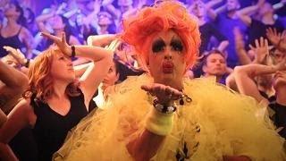 Let's Have a Kiki: Sydney Gay and Lesbian Mardi Gras