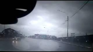 Toyota Raum и почтовый УАЗ столкнулись в Южно-Сахалинске