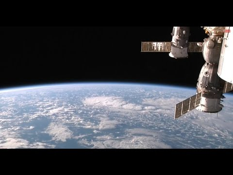 Earth From Space - Live Footage From The Internatinal Space Station ISS - Very Relaxing