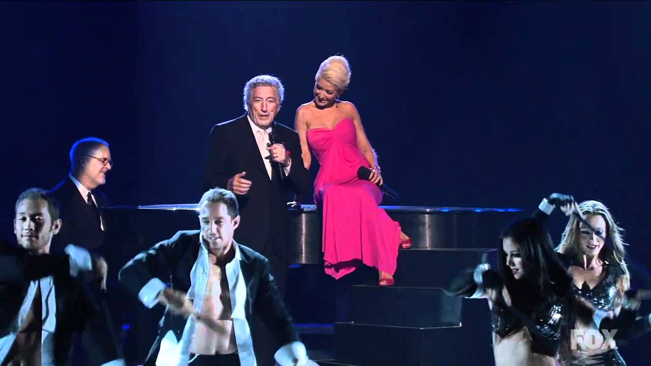 Christina Aguilera & Tony Bennett - Steppin Out With My Baby [Emmy Awards] High Definiton