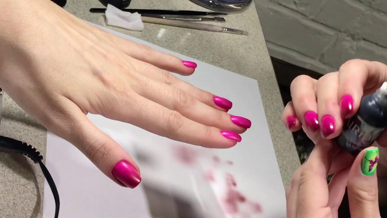 Градиент аэрографом на розовом покрытии