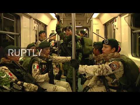 Mexico: 8,000 soldiers hop on the tube for Independence Day parade