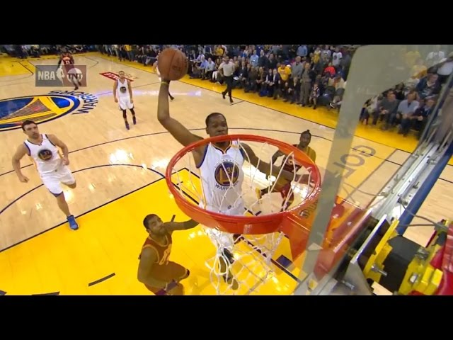 Kevin Durant power dunk Warriors vs Cavaliers 16 January 2017
