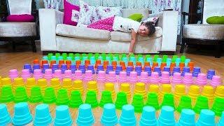 Öykü pretend play with colored cups, Plastic Cup joke fun kid video