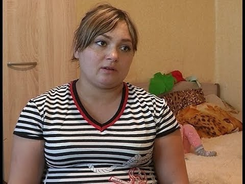 Нуждается в помощи: В Улан-Удэ беременная сирота с двумя детьми вынуждена жить в заброшенном доме