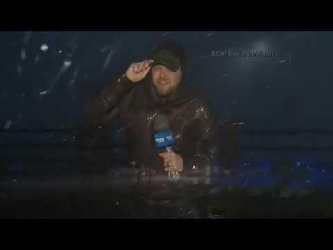Eye wall of Hurricane Florence hits Wilmington, NC