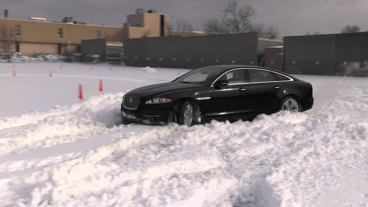 2013 jaguar xjl with all wheel drive in snow youtube. Black Bedroom Furniture Sets. Home Design Ideas