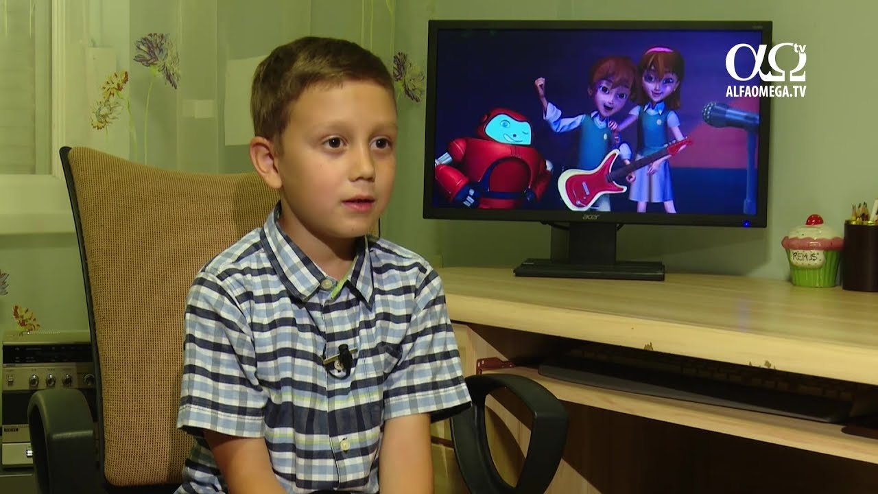 Cartea Cartilor schimba o familie din Romania