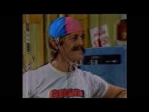 Paul Hogan Show - Strop's moustache