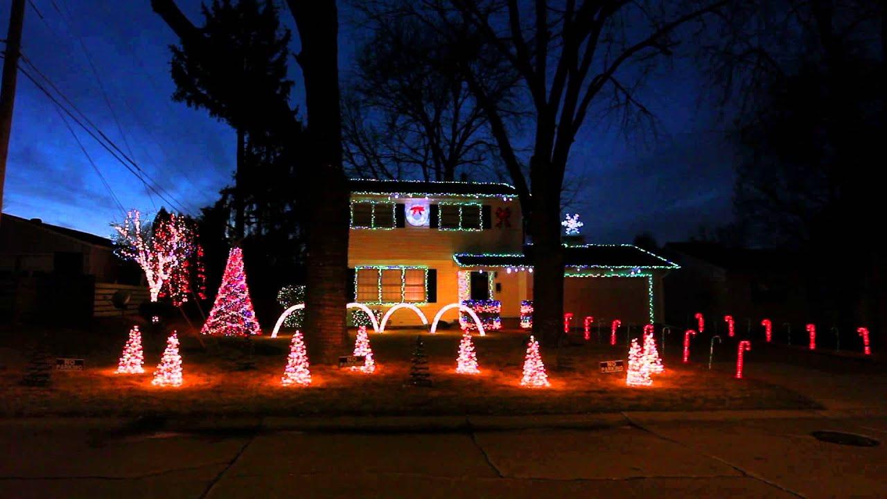 Bettendorf's 19th Street Christmas Light Show's