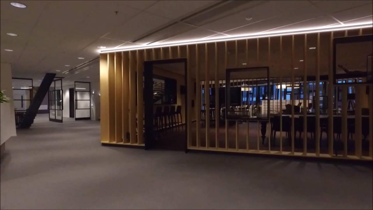 Inrichting kantoor vgz station arnhem centraal youtube for Inrichting kantoor