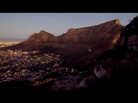 Cape Town - city lights & Table mountain