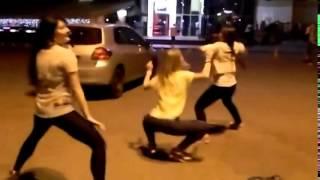 Танци #43 GO GO клубные танцы на улице даже смешно