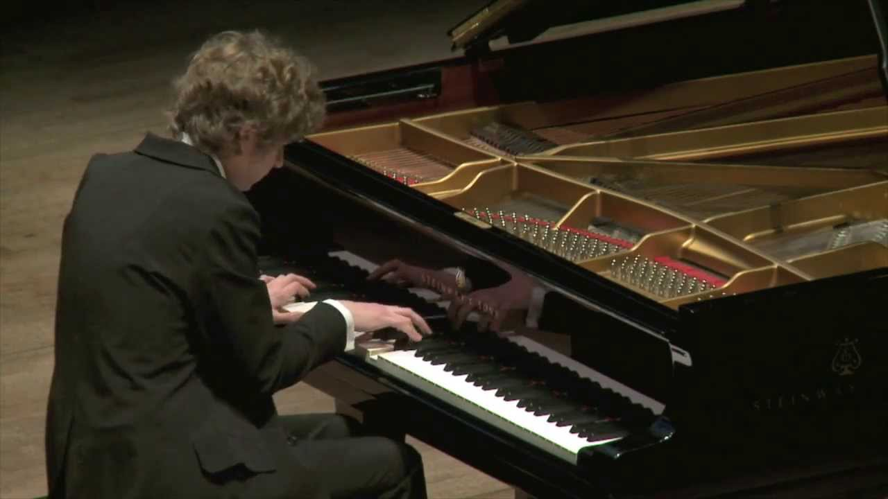 an introduction to the piano solo recital performance by sarah goodman Sayuri's seventh annual piano solo recital after the concert in lantzville: jack in performance discover piano music.