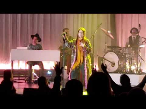 Lauren Daigle - Losing My Religion - How Can It Be - Turn Your Your Eyes Upon Jesus 10/5/18