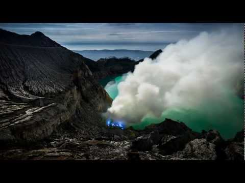 Indonesia - A Life with the Volcanoes.Time Lapses