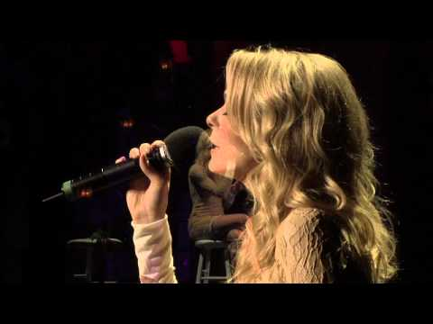 "LeAnn Rimes Performs ""The Rose""  with The Gay Men's Chorus of Los Angeles"