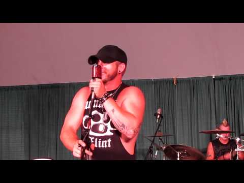 Brantley Gilbert - Kick It In The Sticks - Muzikfest 8/10/11