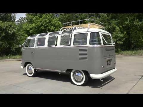 135813 / 1960 Volkswagen Kombi 23 Window Bus