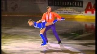 Навка-Костомаров  «Austen Powers» Бенефис Плющенко10 лет вместе 2004