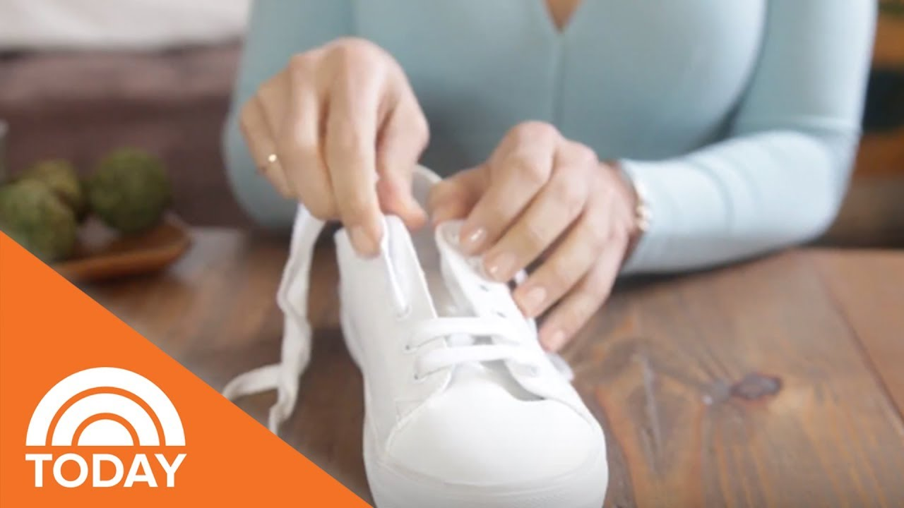 8c67ad05d5 2 New Ways To Lace Your Sneakers