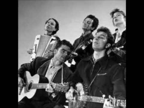 The Weaver's Song – Woody Guthrie with The Almanac Singers