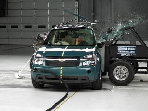 2008 Chevrolet Equinox side IIHS crash test