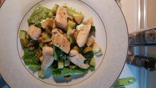 Новогодний салат из груши и куриной грудки. Новогодний салат легко и просто!