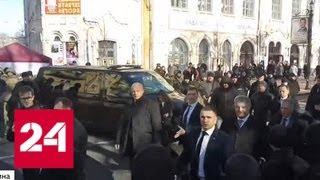 Как президент Украины играет в догонялки с националистами - Россия 24