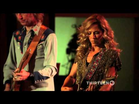 "Sheryl Crow - ""Steve McQueen"" & ""All I Wanna Do"" - Live @ Artists Den"