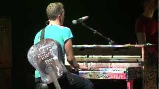 coldplay-yellow-live-montreal-2012-1080p