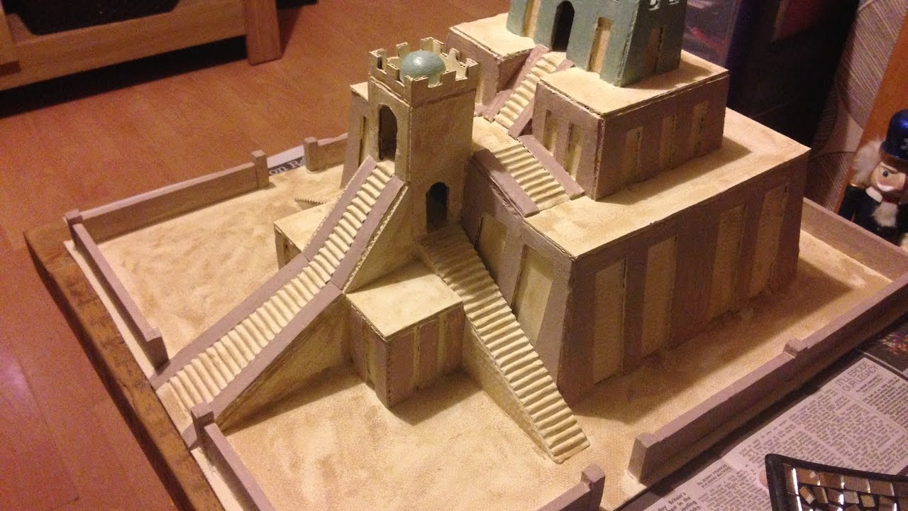 Model Sumerian Ziggurat