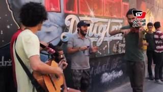 «سكتات» فرقة سورية تعزف الأغاني العربية في شوارع تركيا