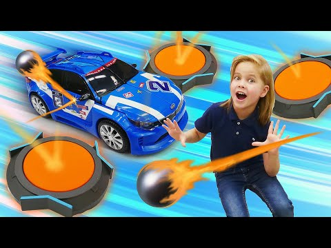 Супер герои играют в Boomtrix! Игры в тоботы трансформеры - новые видео для мальчиков.