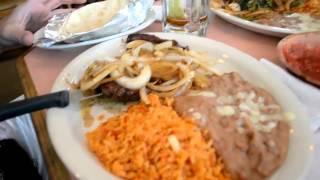 Жизнь в США Мексиканский ресторанчик, вкусная сальса на троих 45$