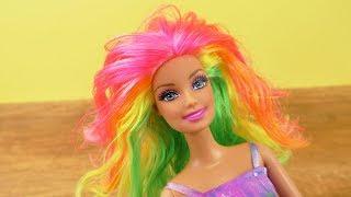 Barbie DIY Regenbogenhaare | Neon Haarfarben für Barbie selber machen | Puppen Haare bemalen