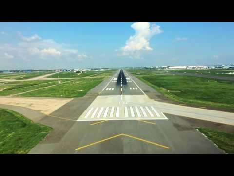 Pilot View - New Delhi Approach Landing