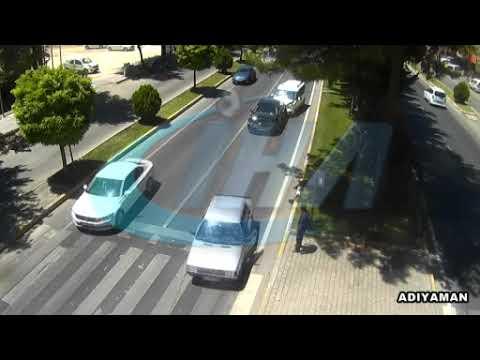 Sol şeritte durarak yayaya yol vermek isteyen sürücü kazaya neden ldu