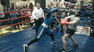 Студент боксер против менеджера