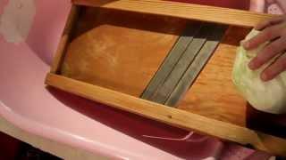 Тест терки-шинковки для капусты (#2)(Тест терки-шинковки для капусты (#2). Пытаемся использовать терку-шинкову для капусты. Онлайн. Оставить благо..., 2014-11-28T16:48:52.000Z)