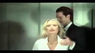 Asansörde sevişmek isteyen ateşli hatunun üstüne çıktı