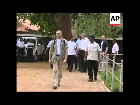 Norwegian envoy talking to Tamil Tigers political leader