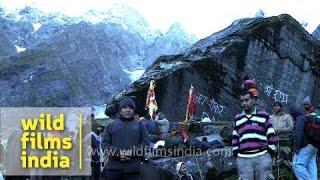 Pilgrims on way to Homekund - Nanda Devi Raj Jat Yatra, Uttarakhand