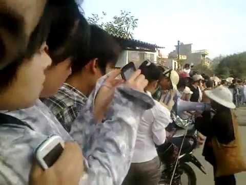Video- Đại Đức Thích Tâm Mẫn Nhất Bộ Nhất Bái tại Thanh Hóa.flv